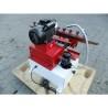 Aceasta masina este dotata standard cu pompa de racire cu rezervor de lichid incorporat in baza