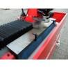 Aceasta masina este prevazuta cu sistem magnetic de fixare a cutitului