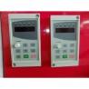 Acest centru CNC este dotat cu doua panouri de comanda, cate unul pentru fiecare suport rotativ