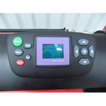 Este plotter este prevazut cu afisaj digital LCD