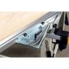 Limitatorul unghiular de pe masa mobila poate fi ajustat ±45°