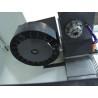 Este dotata cu sistem automat de schimbare scule pentru 10 scule aschiatoare