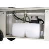 Este livrat standard cu echipament de racire cu rezervorul incorporat in postament