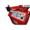 Elementele de control sunt aranjate ergonomic pe panould e comanda