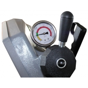 Manometrul livrat standard garanteaza tensionarea corecta a benzii
