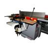 Dispozitivul de mortezare optional poate fi utilizat pentru gaurirea si mortezarea pieselor din lemn