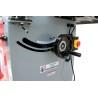 Ajustarea unghiului unitatii de taiere se realizeaza cu ajutorul unei manivele pozitionata ergonomic