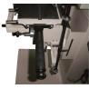 Este dotata cu dispozitiv lateral pentru efectuarea de gauri la distante prestabilite la 16, 22, 25 si 32 mm