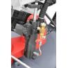 Coborarea bratului se realizeaza cu ajutorul unui cilindru hidraulic