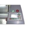 Toate datele introduse si toate functiile sunt afisate cu ajutorul display-ului LCD integrat