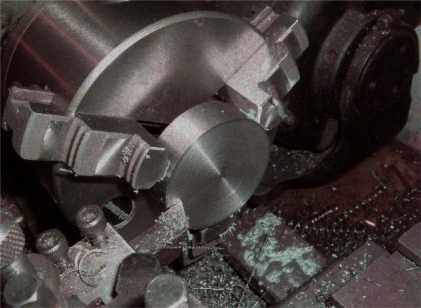 Strunguri pentru metal – sisteme pentru ungere centralizata